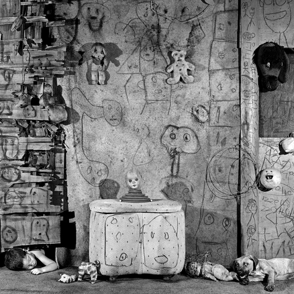 Boarding House, 2008, from the series Boarding House, courtesy of Clint Roenisch Gallery. © Roger Ballen