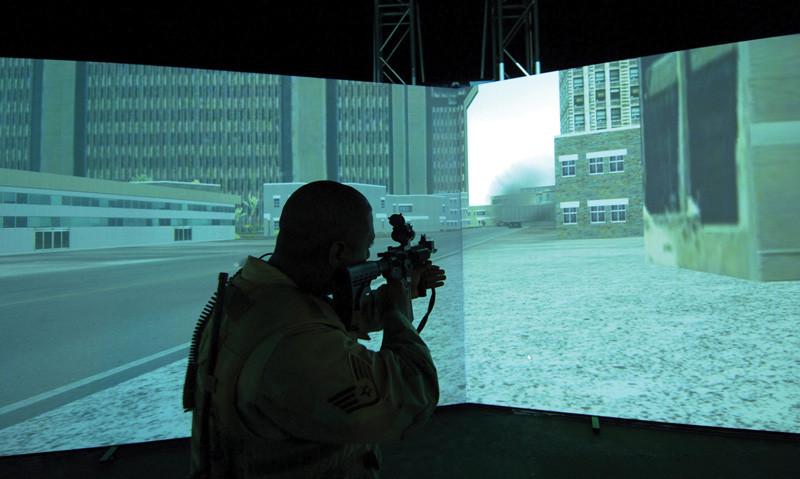 Harun Farocki, Immersion, 2009, installation vidéo, double projection, coproduction Jeu de Paume, Galerie Thaddaeus Ropac Salzbourg, Paris.