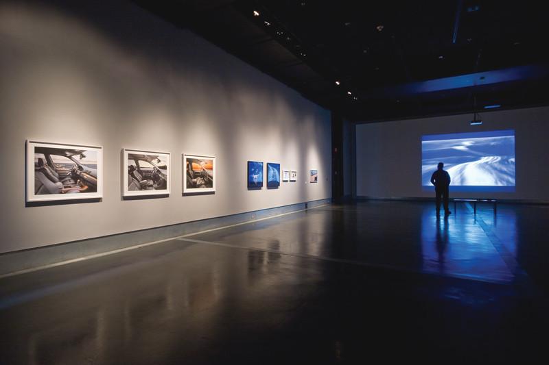 John Massey, This Land (The Photographs), 2008, épreuves numériques à développement chromogène, 69,8 x 190,5 cm chacune, photo: Michel Brunelle.