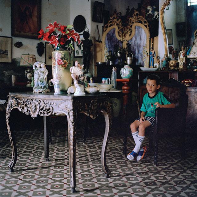 Olga Chagaoutdinova, A Boy, 2007, de la série Cuban Pictures, épreuve chromogénique, 61 x 61 cm. © Olga Chagaoutdinova