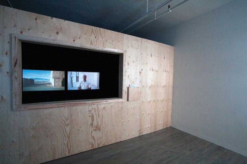 Emanuel Licha, vue d'exposition, 2010, SBC galerie d'art contemporain, photo : Ronald S. Diamond. © Tous droits réservés
