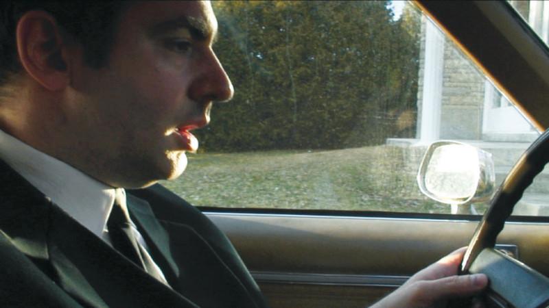 Milutin Gubash, Born Rich, Getting Poorer, 2009, tirée de l'épisode/from the Dead Car episode, video, 20 min. © Milutin Gubash