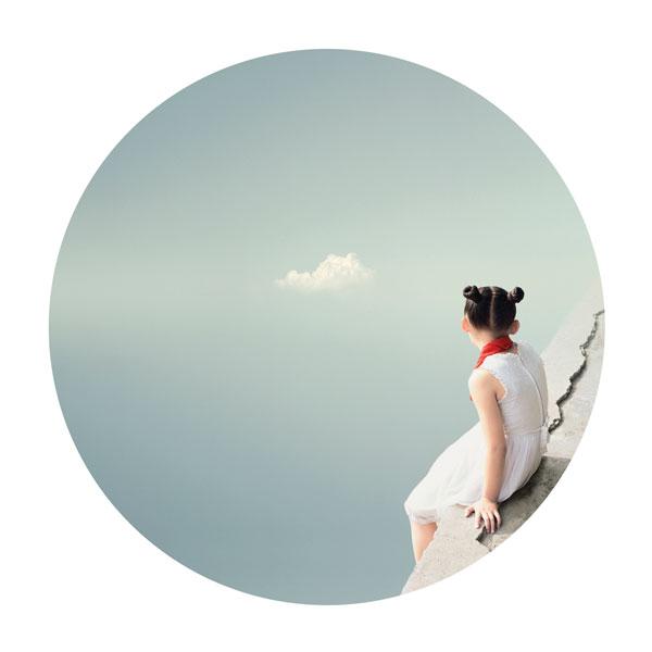 Liu XiaoFang, Le nuage, 2008, de la série Je me souviens, impression jet d'encre, 100 x 100 cm. © Liu Xiaofang