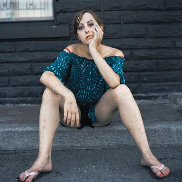 Tony Fouhse, Alexandra, 2010, de la série / from the series user Portraits of Crack Addicts, 2007-2010, impression numérique / digital prints, 56 x 70 cm ou 56 x 56 cm. © Tony Fouhse