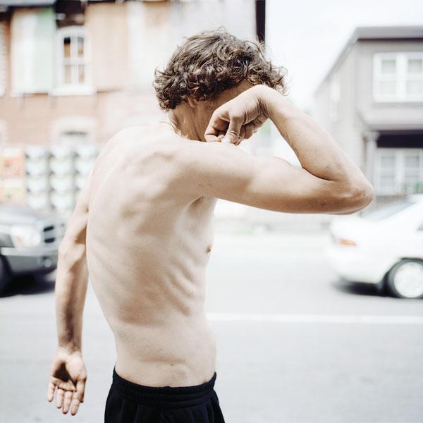 Tony Fouhse, Joce, 2009, de la série / from the series user Portraits of Crack Addicts, 2007-2010, impression numérique / digital prints, 56 x 70 cm ou 56 x 56 cm. © Tony Fouhse