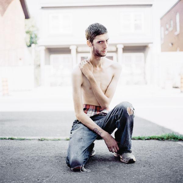 Tony Fouhse, Brennan, 2009, de la série / from the series user Portraits of Crack Addicts, 2007-2010, impression numérique / digital prints, 56 x 70 cm ou 56 x 56 cm. © Tony Fouhse