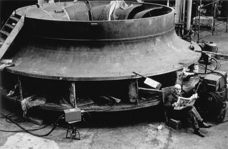 Pierre Gaudard, Dominion Engeneering, Montréal, 1970, de la série / from the series Les Ouvriers, 1969–1972, épreuve argentique / gelatin silver, prints, (tirage / print 1980), 27,8 x 35,3 cm, permission de / courtesy of MACM. © Tous droits réservés
