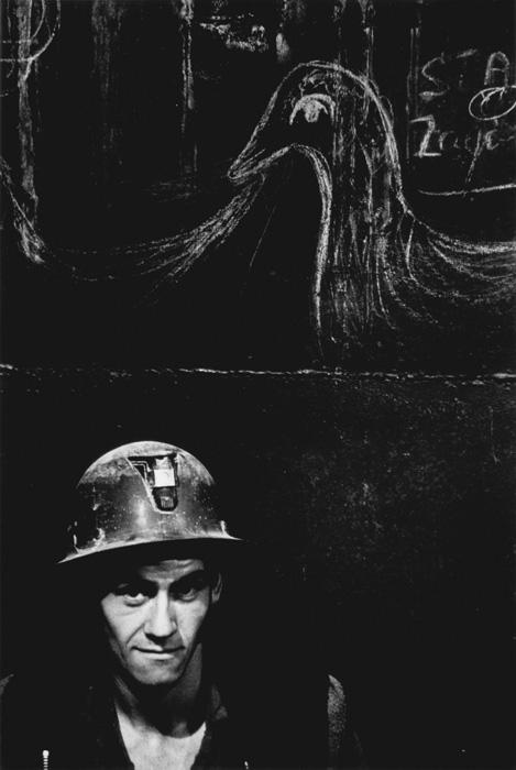 Pierre Gaudard, Mine d'or Sigma, Val-d'or, 1969, Montréal, 1970, de la série / from the series Les Ouvriers, 1969–1972, épreuve argentique / gelatin silver, prints, (tirage / print 1980), 35,3 x 27,8 cm. Permission de / courtesy of MACM. © Tous droits réservés