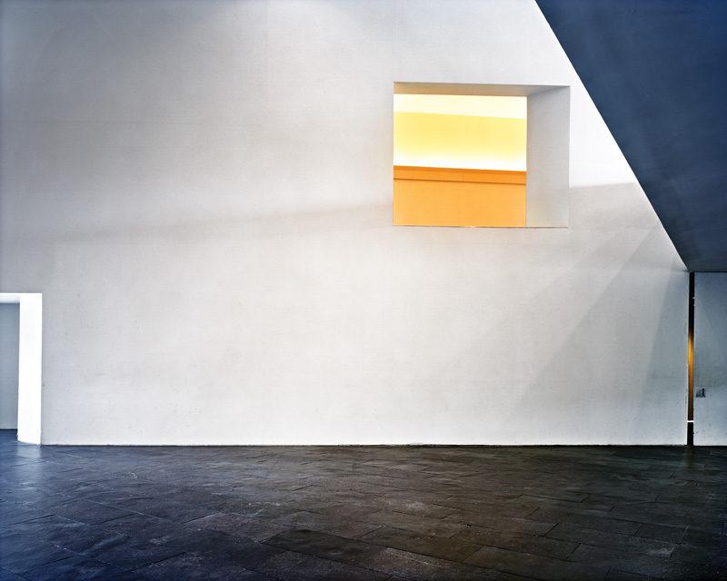 Lynne Cohen, Untitled (Diebenkorn), 2008, épreuve chromogénique / c-print, 100 x 120 cm. © Lynne Cohen