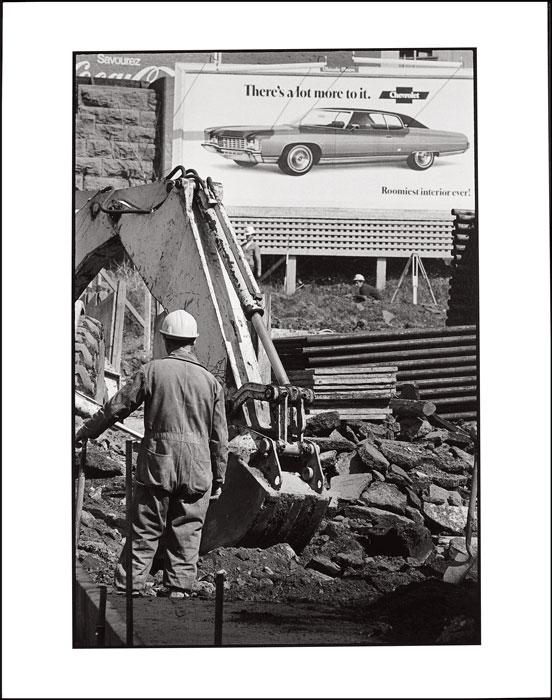 Brian Merrett, de la série / from the series Autoroute Ville‑Marie, 1971, impression au jet d'encre pigmentée à partir d'un négatif numérisé / inkjet print from a pigmented scanned negative, 30,4 x 20,6 cm, Musée des beaux‑arts de Montréal / Montreal Museum of Fine Art. © Brian Merrett
