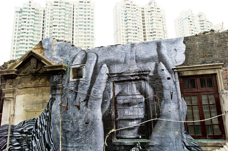 JR, série / series Shanghai – The Wrinkles of the City / Les sillons de la ville, 2010, photos : L'agence Vu'