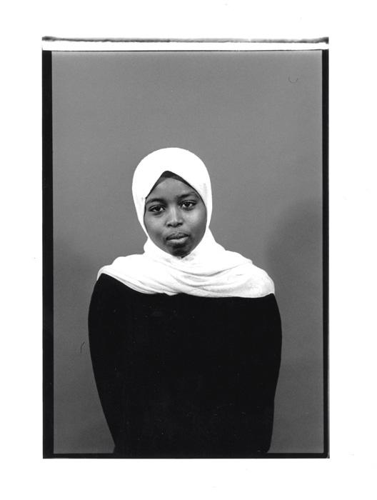 Serge Emmanuel Jongué, de la série / from the series Portraits dénudés, Identités métropolitaines 02, 1998-1999, photographie argentique / gelatin silver photograph, 50 x 70 cm. © Serge Emmanuel Jongué