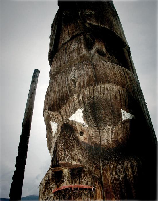 Serge Emmanuel Jongué, de la série / from the series Totem – A North American Celebration, 03, 2005, photographie numérique / digital photograph, 22 x 27 cm. © Serge Emmanuel Jongué