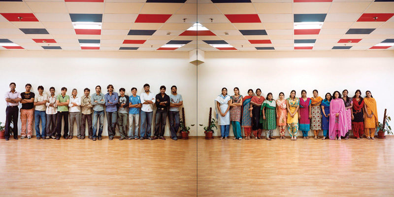 Olivier Culmann, Offices, Hyderabad, Inde, 2008. © Olivier Culmann