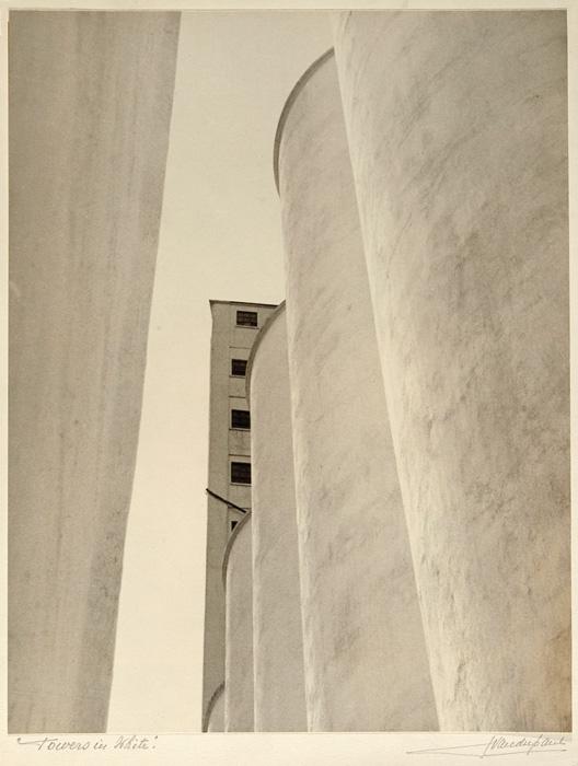 John Vanderpant, No.2, Towers in White, around c. 1934, gelatin silver print, 35 x 27 cm, courtesy of Art Gallery of Ontario / ago Image Resources. © John Vanderpant
