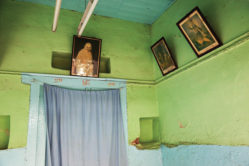 Pierre Blache, Bhopal III, 2010, impression numérique sur papier chiffon, 66 x 178 cm. © Pierre Blache