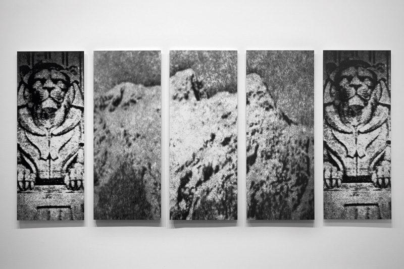 Michelle Normoyle, British Properties, 1987, 5 gelatin silver prints / épreuves argentiques, 152 x 61 cm each / chacune. © Michelle Normoyle