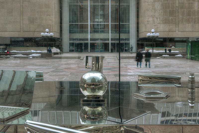 Nicolas Baier, Autoportrait, 2012, acier, aluminium, nickel, verre trempé, matériaux mixtes / steel, aluminum, nickel, tempered glass, mixed media, 245 x 305 x 610 cm. © Nicolas Baier, photo : Nicolas Baier