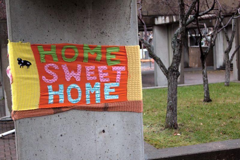 Les Ville-Laines, Home Sweet Home, 2011, Square Viger, Montréal, photo: Eli Larin