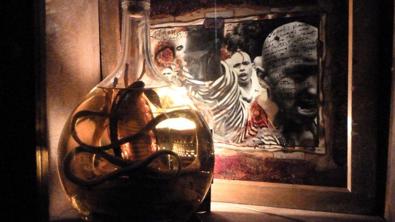 Philip Blenkinsop, (atelier), tiré du / from film Dans un océan d'images; j'ai vu le tumulte du monde, 2013, photo: © Nicole Giguère, InformAction Films inc.