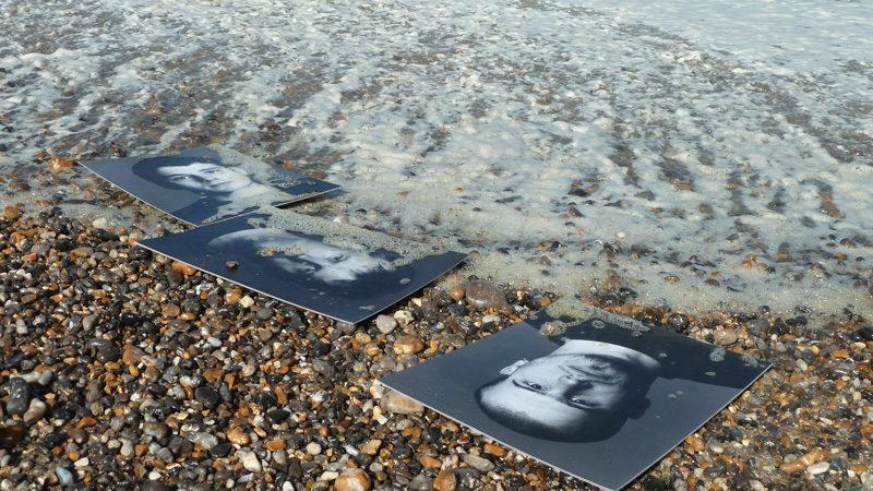 Bertrand Carrière, 913, 2004, installation, tiré du / from film Dans un océan d'images; j'ai vu le tumulte du monde, 2013, photo: © Nicole Giguère, InformAction Films inc.