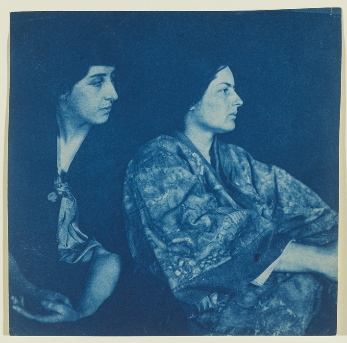 Robert Flaherty, Portrait of Frances Loring and Florence Wyle, Church Street, Toronto, 1914, cyanotype, 15 x 15 cm, gift of the estates of / don des successions de Frances Loring and Florence Wyle, 1983, 86/117 © 2013 Art Gallery of Ontario