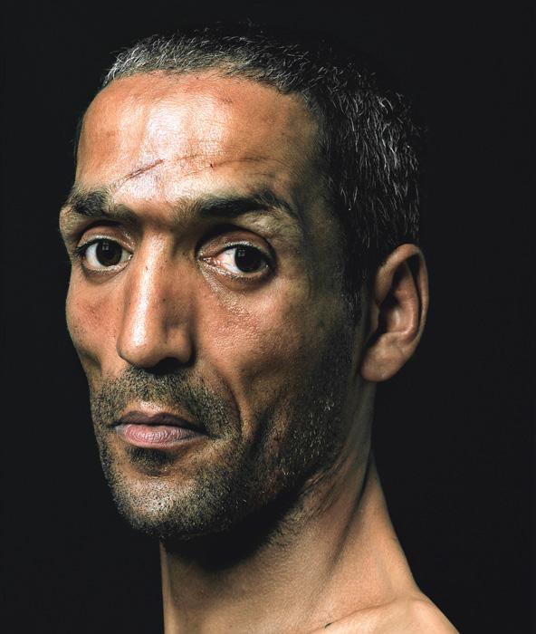 Pierre Gonnord, Ali, 2006, de la série / from the series Utópicos, épreuves chromogéniques / c-prints, 145 x 125 cm
