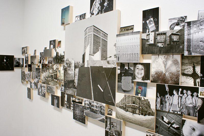 Yan Giguère, vue d'exposition de Visites libres, 2013, épreuves argentiques et tirages au jet d'encre. © Yan Giguère