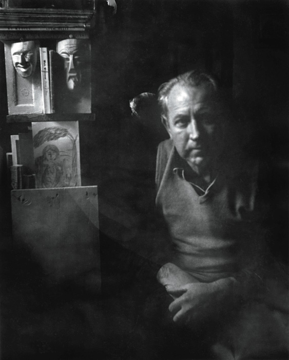 Béla F. Egyedi, Self-portrait with masks / Autoportrait aux masques, ca. / vers 1970, 22 x 18 cm, Gelatin silver prints from the Egyedi Fonds / Épreuves argentiques provenant du Fonds Egyedi, McCord Museum / Musée McCord