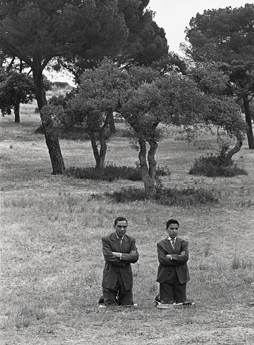 Ramón Masats, Misa en la Casa de Campo, 1962, courtesy of / permission de la Fundació Foto Colectania