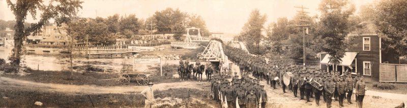 Panoramic Camera Company, 122nd Overseas Battalion, C.E.F. –Port Carling, Muskoka, Ontario, 1914–18, gelatin silver print, 24 x 90 cm, George Metcalf Archival Collection, Canadian War Museum, Ottawa