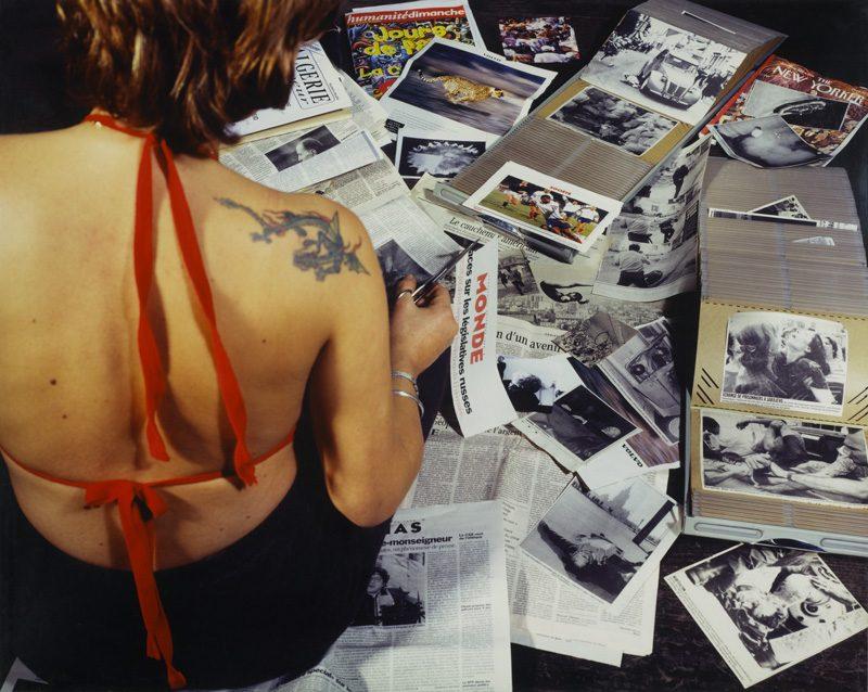 Florence Paradeis, Les Images, 1995, épreuve chromogène, 91 × 114 cm, Centre Pompidou, Musée national d'art moderne don de la Caisse des dépôts en 2006
