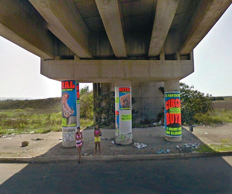 Mishka Henner, de la série / from the series No Man's Land, 2011, impressions pigmentaires archive / archival pigment prints, 51 × 61 cm (ch. / ea.), permission de / courtesy of Bruce Silverstein Gallery, New York