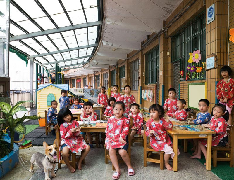 Ruei Fang Junior High School Kindergarden, Ruei Fang Township, Taiwan. Kindergarden, Art, September 15th, 2009, from the series / de la série The Future Is Ours, Classroom Portraits, 2004–2015