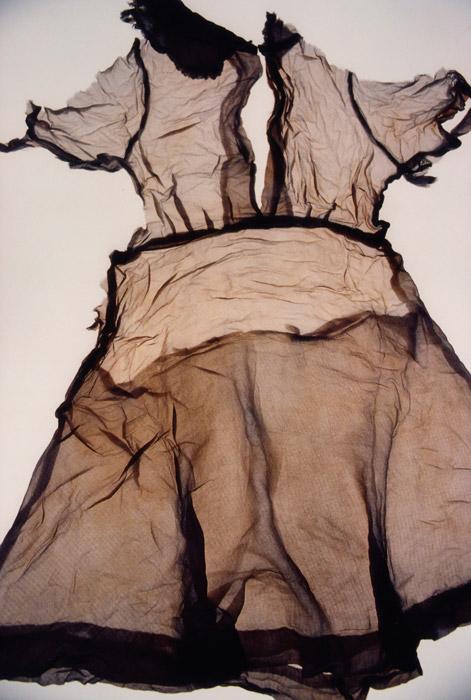 Ishiuchi Miyako, ひろしま/hiroshima #9 (Ogawa Ritsu), 2007, chromogenic print / impression chromogène, 187 × 120 cm, courtesy of / permission de The Third Gallery Aya