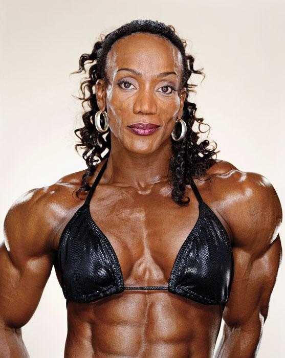 Martin Schoeler, Lenda Murray, 2003 , de la série / from the series Female Bodybuilders, épreuve chromogénique numérique / digital c-prints, 183 x 226 cm. © Martin Schoeler