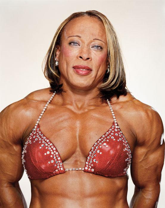 Martin Schoeler, Rosemary Jennings, 2003, de la série / from the series Female Bodybuilders, épreuve chromogénique numérique / digital c-prints, 183 x 226 cm. © Martin Schoeler