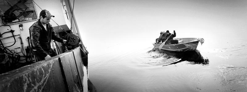 Yoanis Menge, Îles de la Madeleine, Québec, 2014. De la série / from the series HAKAPIK, 2012-2015. 35 épreuves argentiques / 35 gelatin silver prints, 60 × 91 cm ou/or 60 × 163 cm.