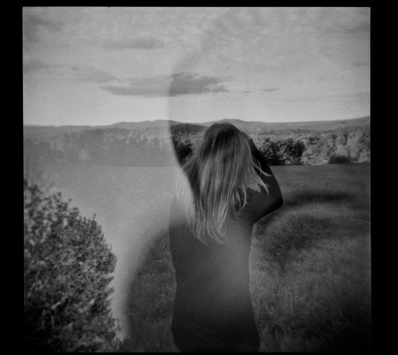 Éliane Excoffier, Un, deux, trois (vers le nord), 2016, épreuve à la gélatine argentique, 50 x 56 cm [Pour Joanie Laplante]
