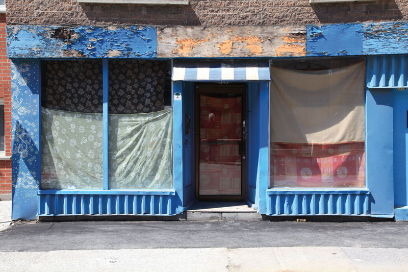Robert Walker, Derelict shop, rue Sainte-Catherine est, 2013
