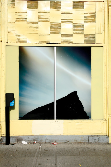 Robert Walker, Abandoned shop, rue Sainte-Catherine est, 2011