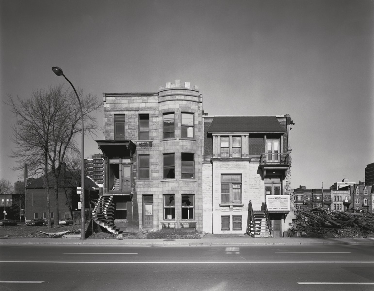 David Miller, Concordia Estates rental office, 3553 Av. du Parc, 16 November 1972, de la série / from the series Milton Park, 1970-1973, épreuve argentique virée au sélénium / silver print with selenium toning