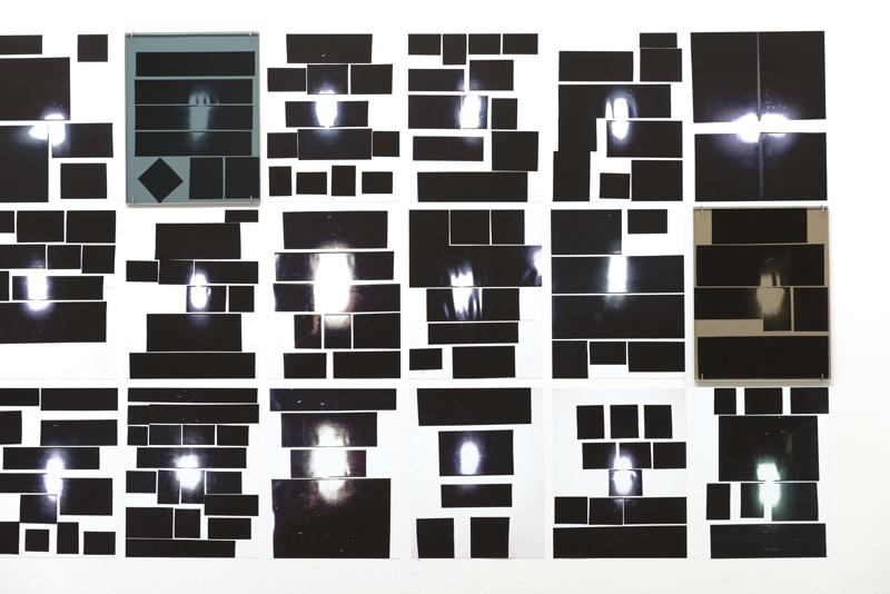 Anouk Kruithof, Subconscious Travelling, 2013, 99 photographies autocollantes, 5 verres colorés, 6,6 × 0,7 m, photo : Paul Litherland