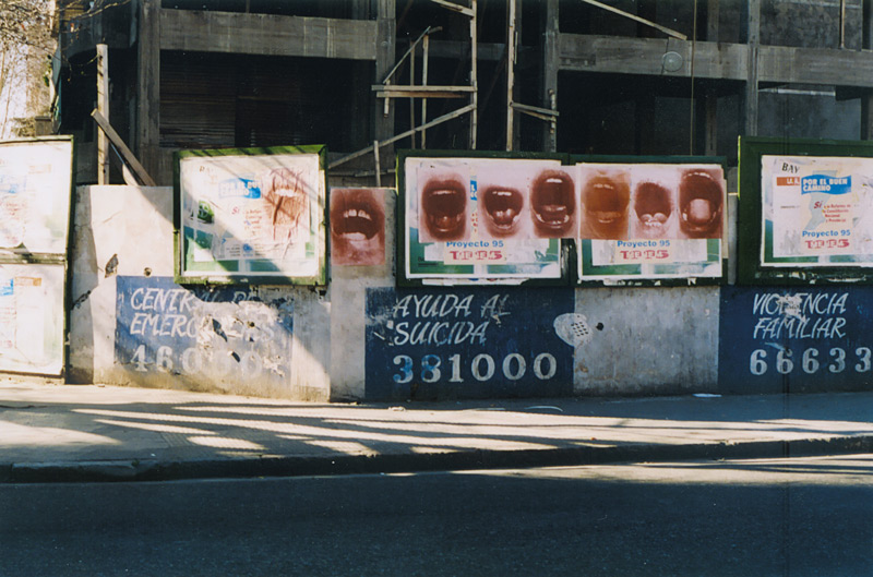 Graciela Sacco, Bocanada, (A breath of fresh air) 1993–94, posters in the streets of Rosario, Argentina / affiches dans les rues de Rosario, Argentine 9 photographs / photographies, 50 × 70 cm (each/chac.)