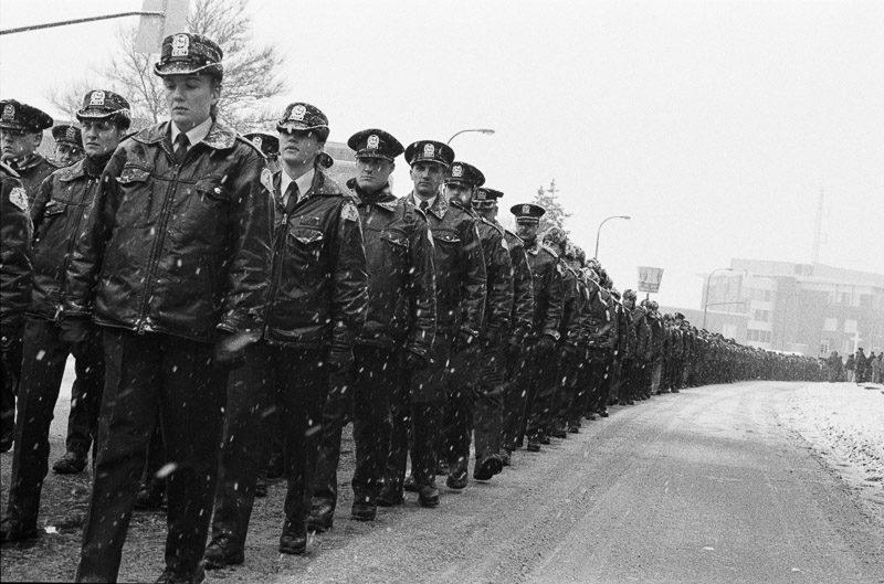 Jean-François Leblanc, Funérailles de la policière Odette Pinard, abattue en fonction au poste de Cartierville. 1995.