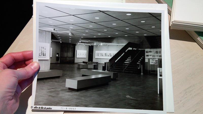 Préparation de l'exposition (avec Vue de l'exposition Dessins-photos 1970-1974, Musée d'art contemporain de Montréal, Cité du Havre, 1975), photo : Vox