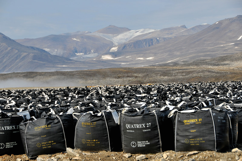 Margo Pfeiff, Contaminated soil bags at Lower Base, Cape Dyer, 2013, from /tiré de It's All Happening So Fast: A Counter-History of the Modern Canadian Environment. Courtesy / permission Centre for Canadian Architecture