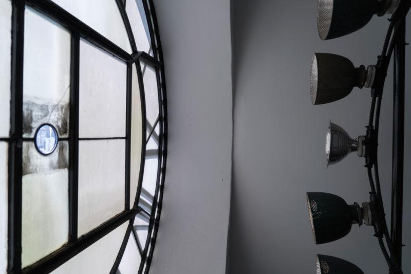Yann Pocreau, L'horloge, l'Hôpital Royal Victoria / The Clock, Royal Victoria Hospital, 2017 91 × 137 cm. Impression jet d'encre (encres archive) / inkjet print with archival inks, Centre des arts et du patrimoine RBC / RBC Art and Heritage Centre.
