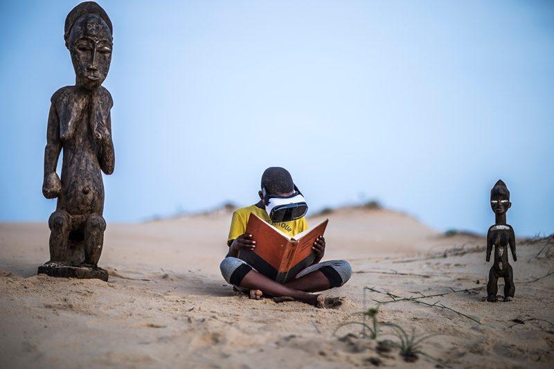 Alun Be, « Cultivation », série Edification, 2017. Bridge, Villa Rouge, Dakar, exposition proposée par le Musée de la photographie de Saint-Louis (MuPho).