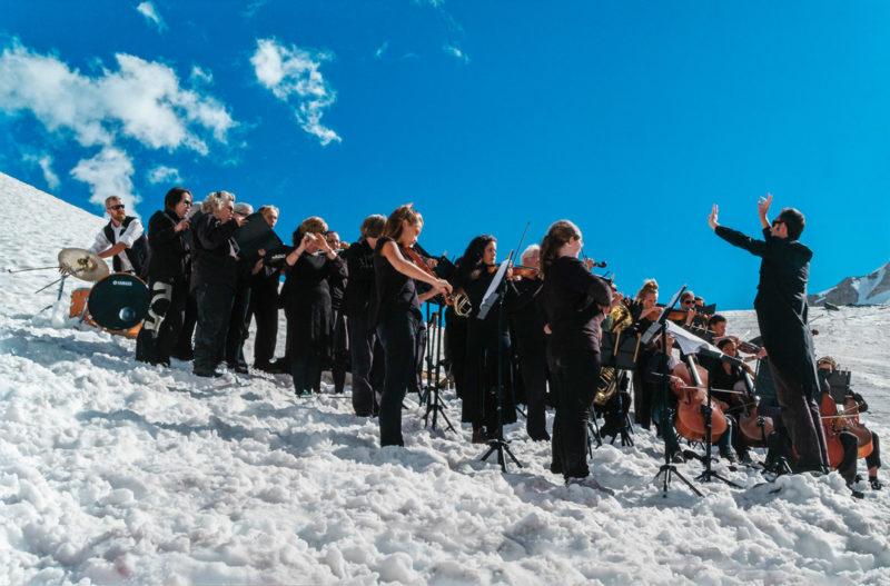 Paul Walde, Requiem pour un glacier / Requiem for a Glacier, 2013, vidéo HD à deux canaux / twochannel HD video, 40 min, MBAM / MMFA